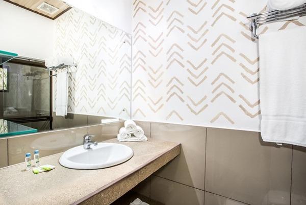 #7 Garden Villa Bathroom