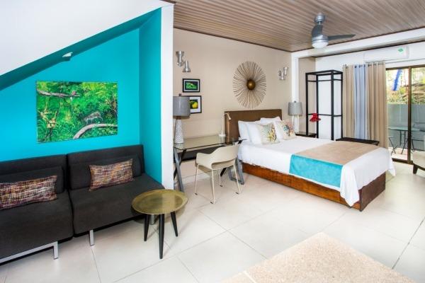 #7 Garden Villa Lounge Bed
