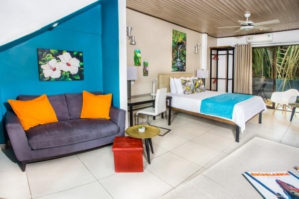 #8 Graden Villa Lounge Bed