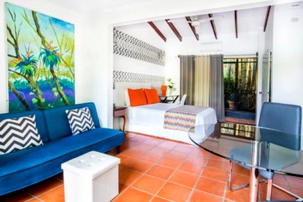 #1 Garden Studio Bed Lounge